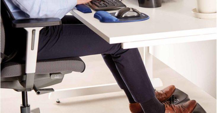 podnóżek biurowy wspiera ergonomię w biurze