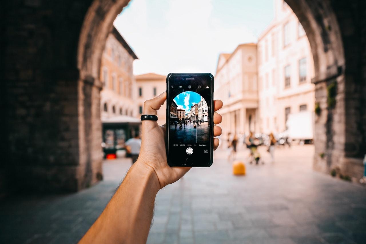 Wymiana szybki iPhone – z czym się wiąże?