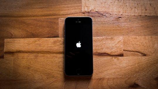 Ile kosztuje naprawa zalanego telefonu iphone 7 i innych modeli iphonów?