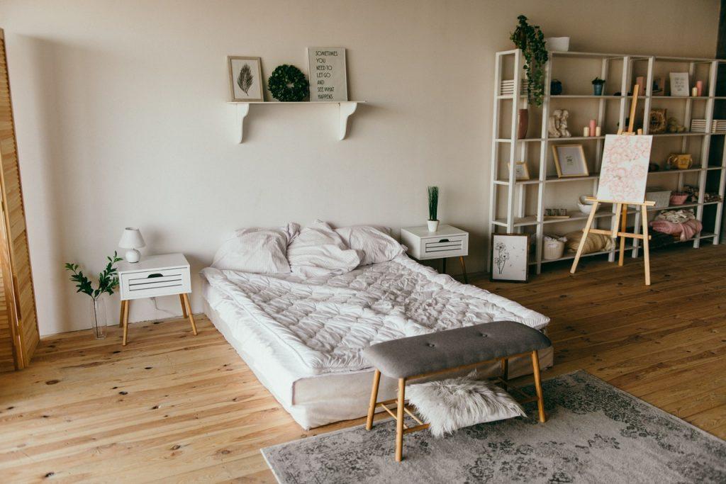 Kako izbrati pravo razsvetljavo za najstniško sobo?