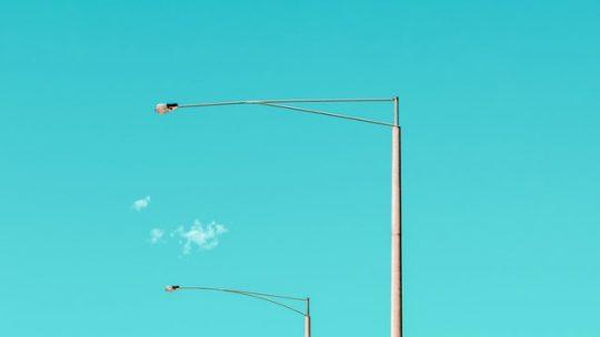 Kompozytowe słupy oświetleniowe ratują życie!